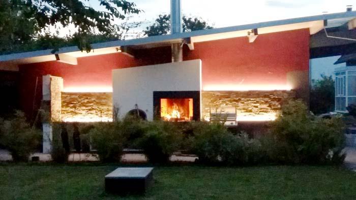 Outdoor Sommerküche am Abend