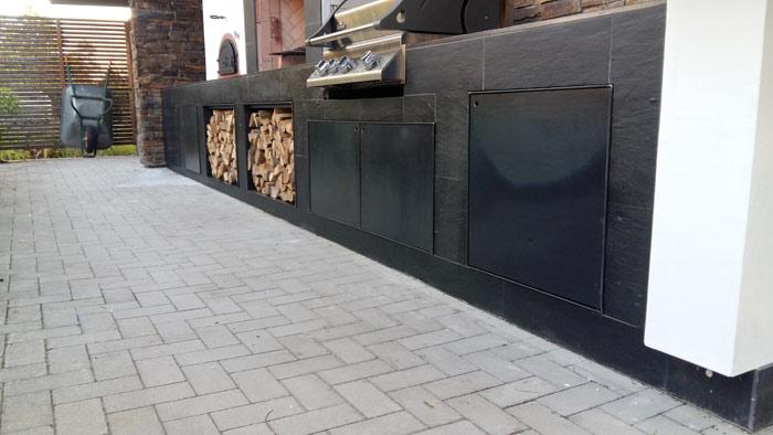 Outdoor Küchenschränke mit verschließbaren Stahltüren